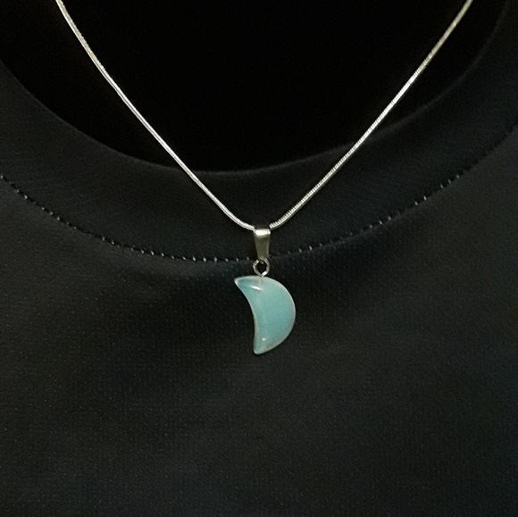 Jewelry - 🌛Opalite Crescent Moon Pendant With Necklace